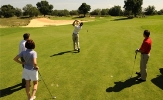 Learn golf in a group lesson in Vancouver Richmond 小孩 学打高尔夫温哥华列志文, 高尔夫初学者