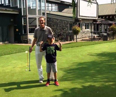 中国儿童青少年学高尔夫球